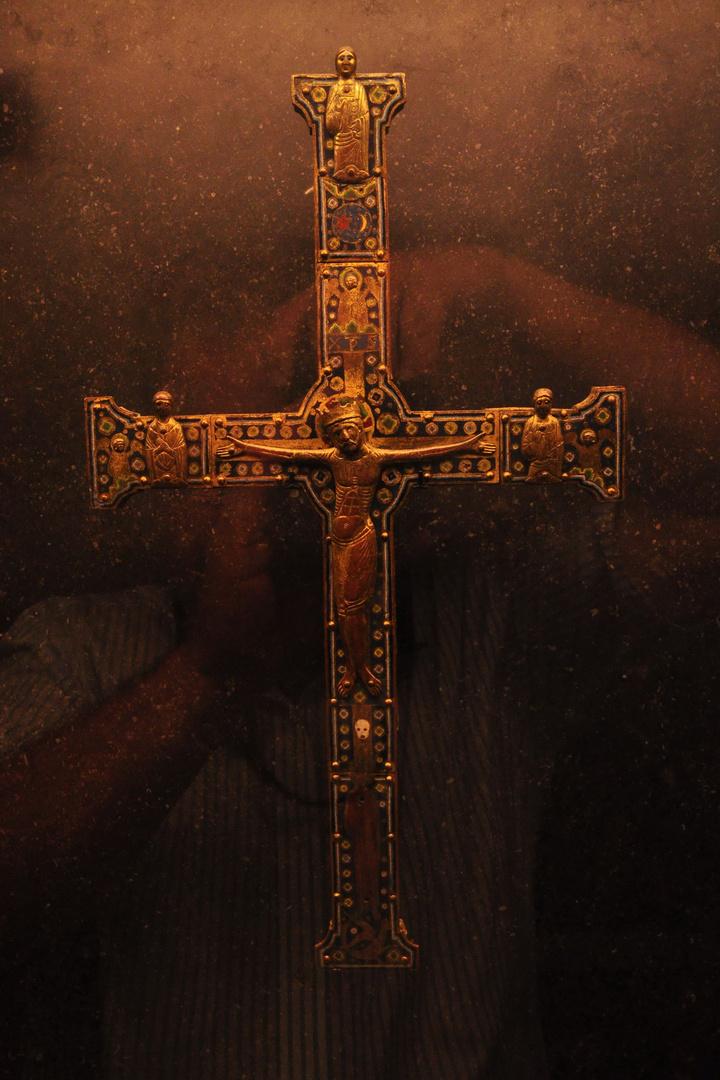 Kreuz aus romanischer Zeit