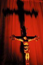 Kreuz bei Nacht