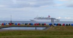 Kreuzfahrer vor Cuxhaven