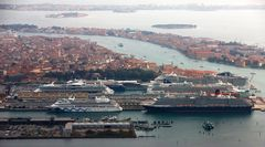 Kreuzfahrthafen in Venedig
