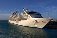 Kreuzfahrtschiff Coral Princess in Aruba