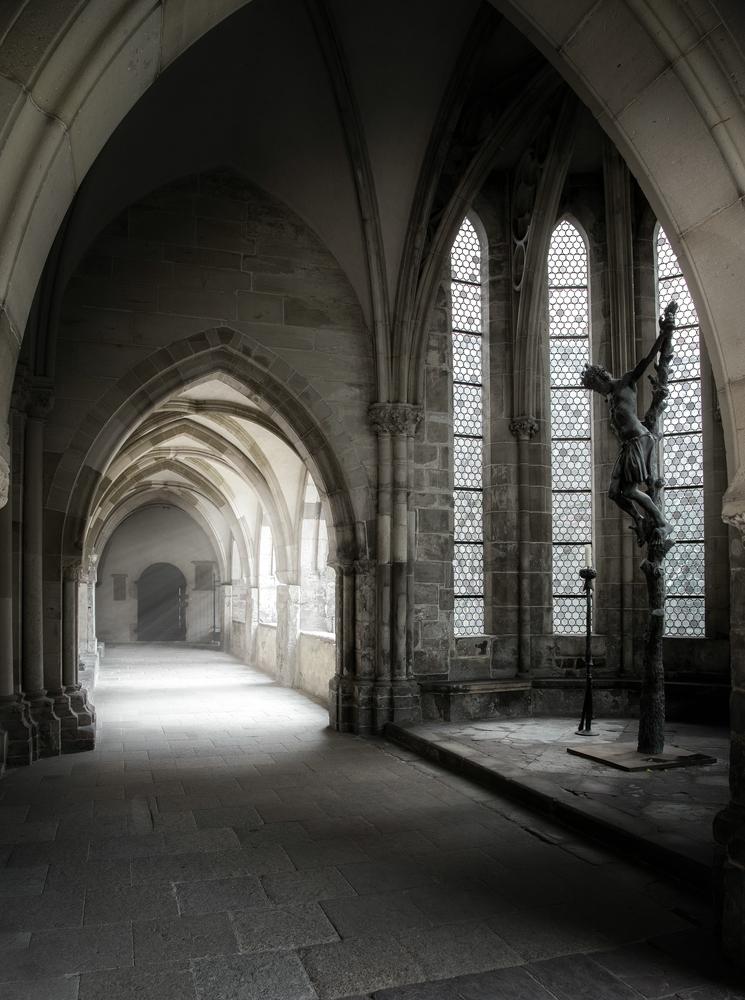 """Kreuzgang im Magdeburger Dom """"Blick zum Brunnenhaus"""""""