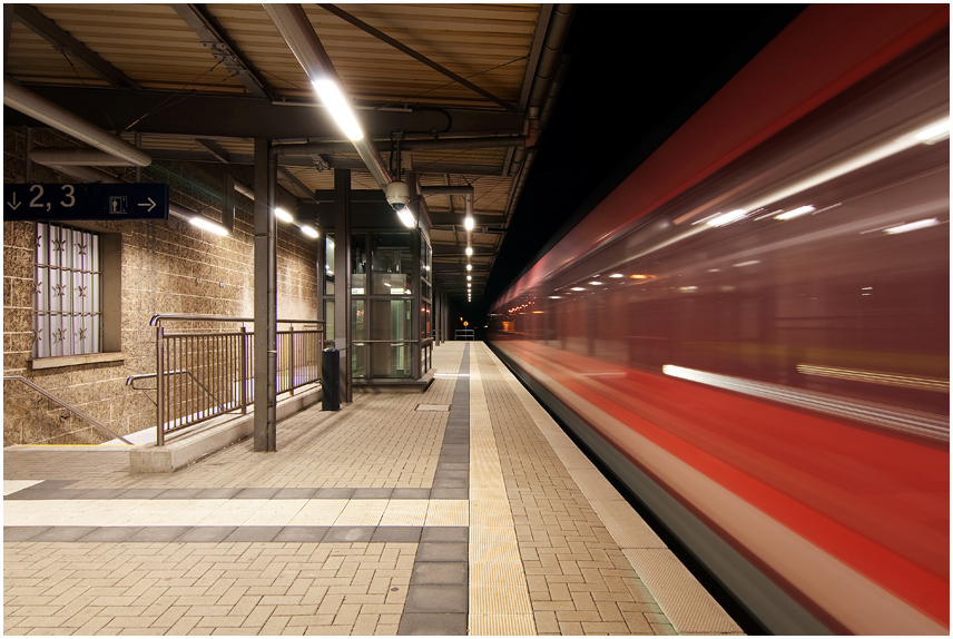 Kreuztaler Bahnhof - Durchfahrt -