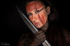 Kriegerin mit Schwert