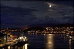 Kristiansund im Mondschein
