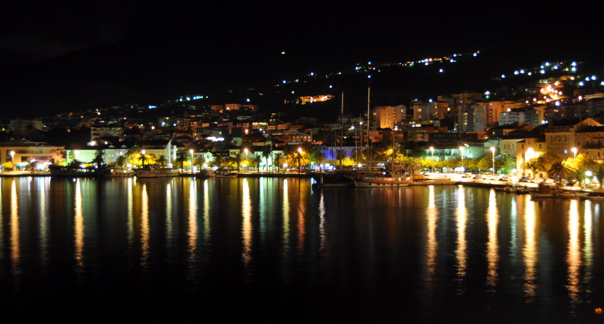 Kroatien-1-Makarska bei Nacht