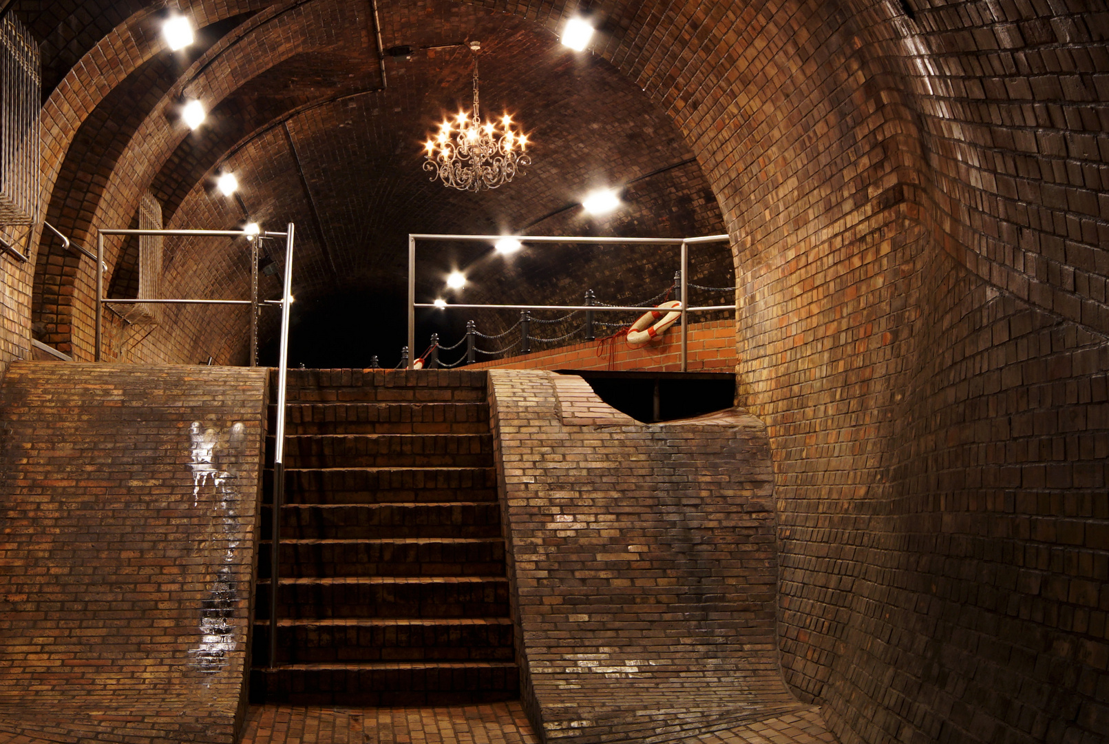 Kronleuchter Treppe ~ Kronleuchtersaal treppe foto & bild architektur stadtlandschaft