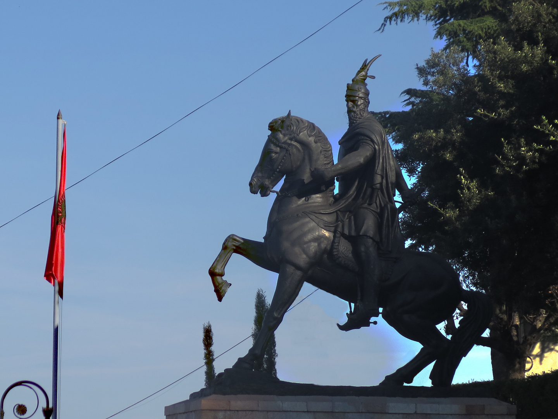 Kruje Denkmal Skanderbeg