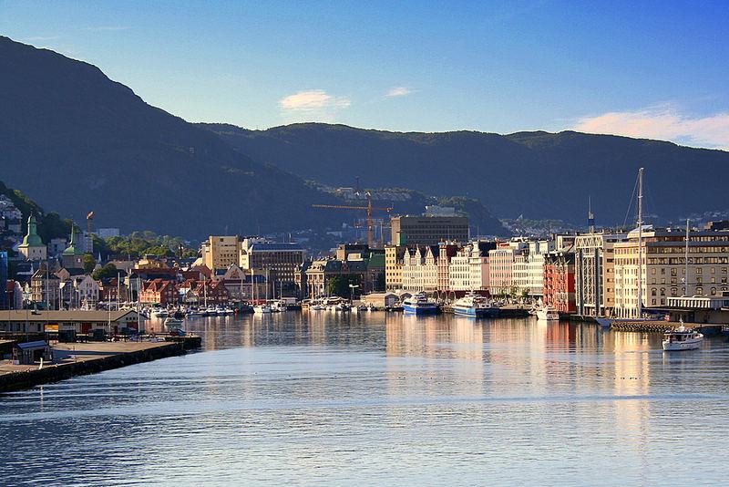 KRZF 003 NOR Bergen: Farbenfroher Morgen