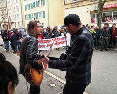 Kundgebung Mieten Runter 09-03-2019 J5 Stgt 2Musiker