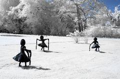 Kunst in Infrarot - Dancing Clog Girls