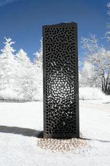 Kunst in Infrarot - Stein für das Licht