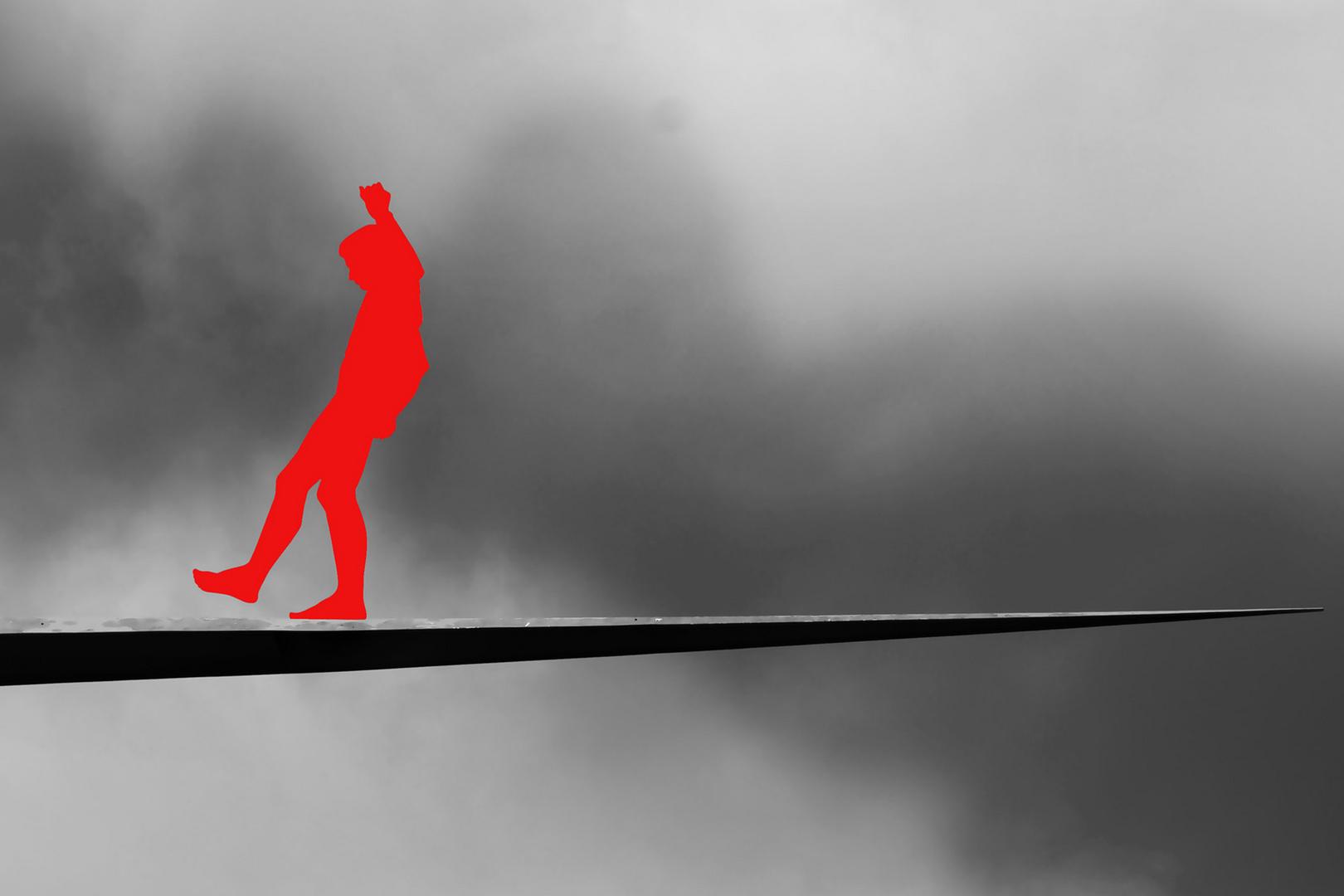 Kunst in Mannheim- Balanceakt in rot -