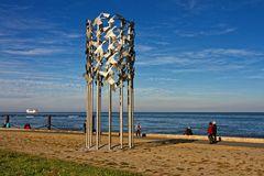 Kunstwerk an der Elbe