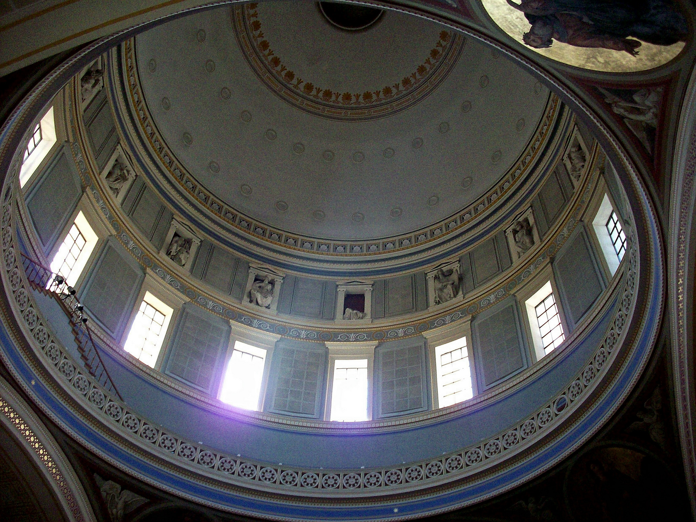 Kuppel der Nikolaikirche von innen