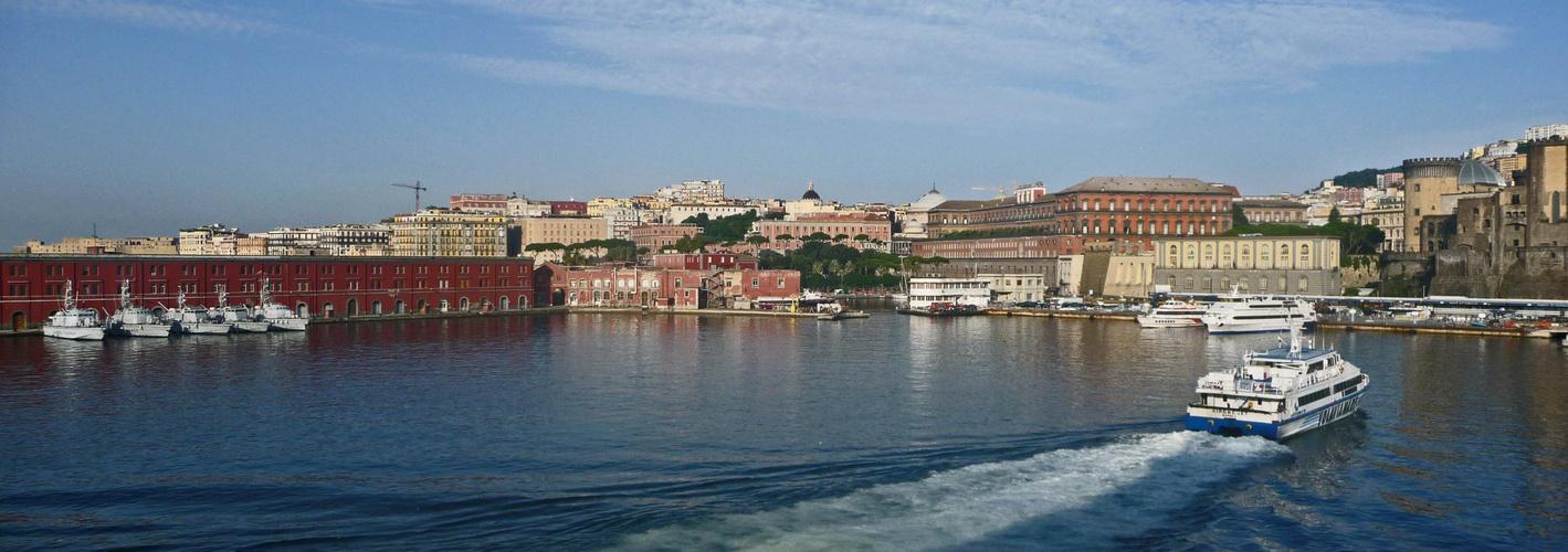 Kurs auf Neapel