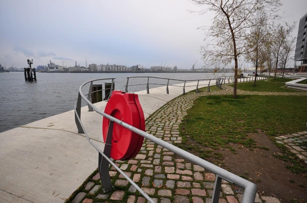 Kurve auf den Hamburger Hafen zu