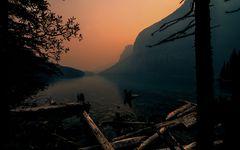 Kurz vor Sonnenaufgang am Moraine Lake