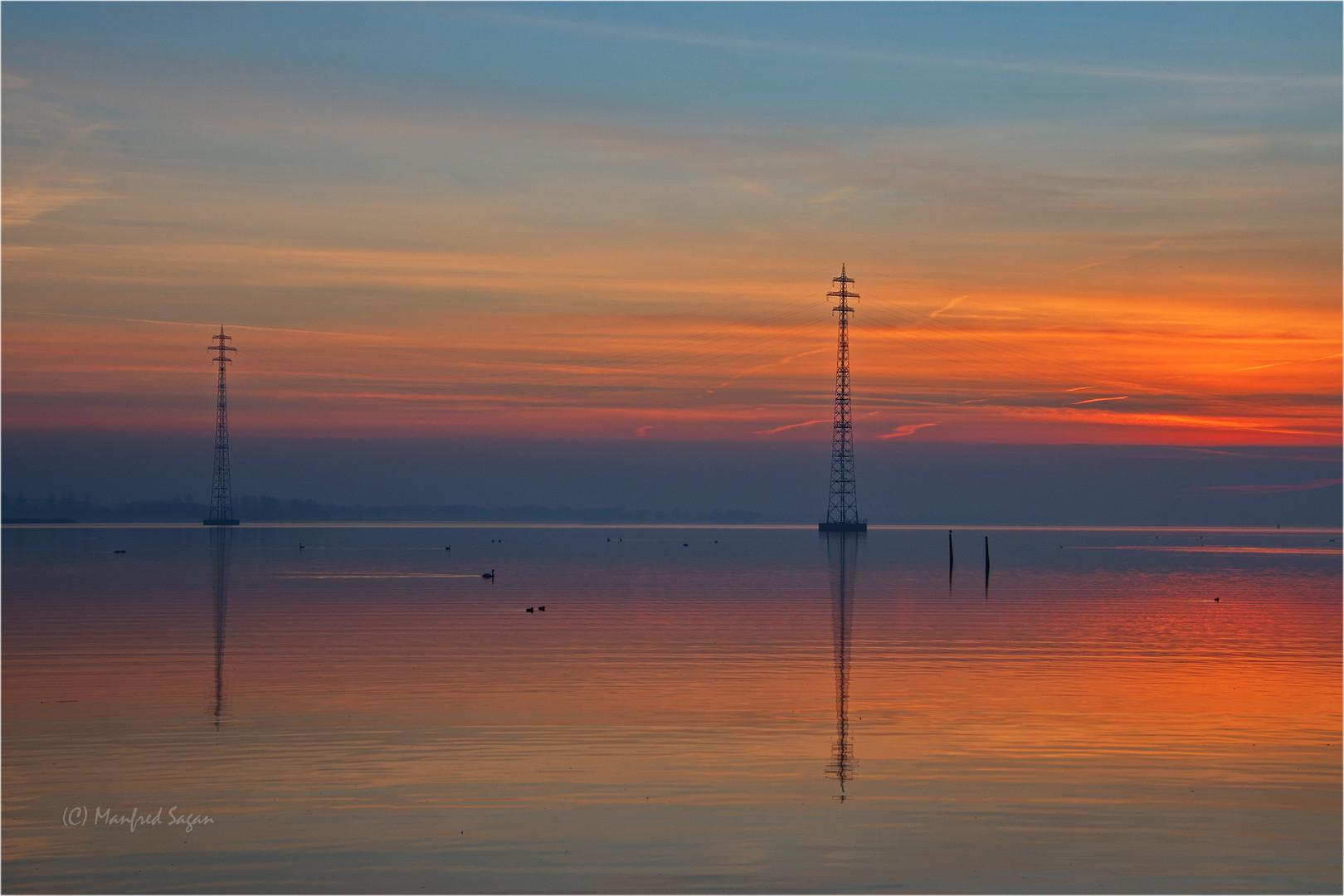 Kurz vor Sonnenaufgang am Strelasund...