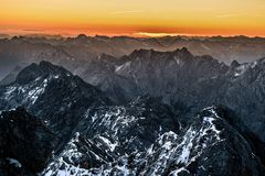 Kurz vor Sonnenaufgang auf der Zugspitze...