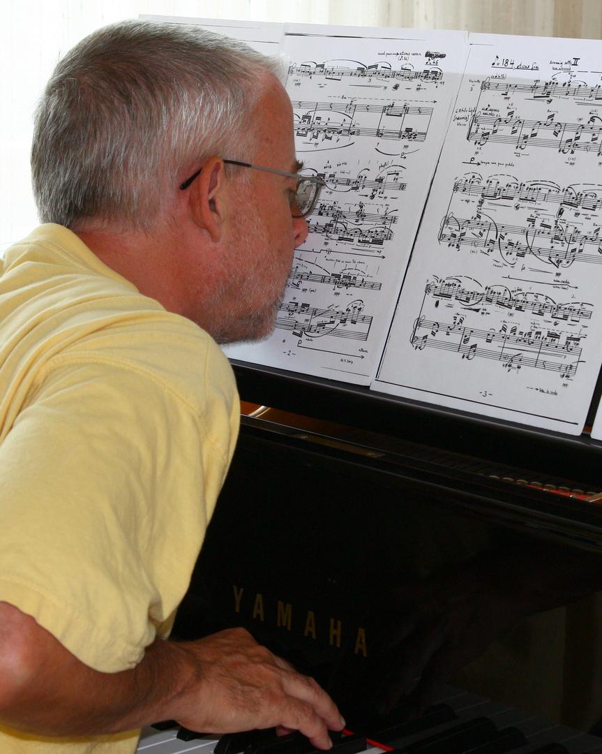 kurzsichtiger Pianist