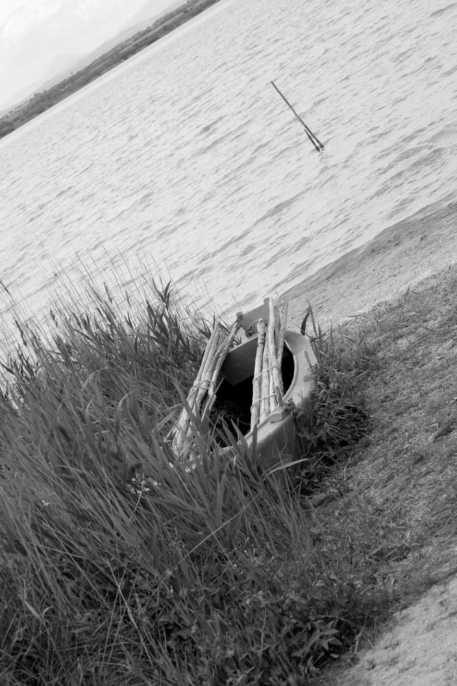 la barque cachée