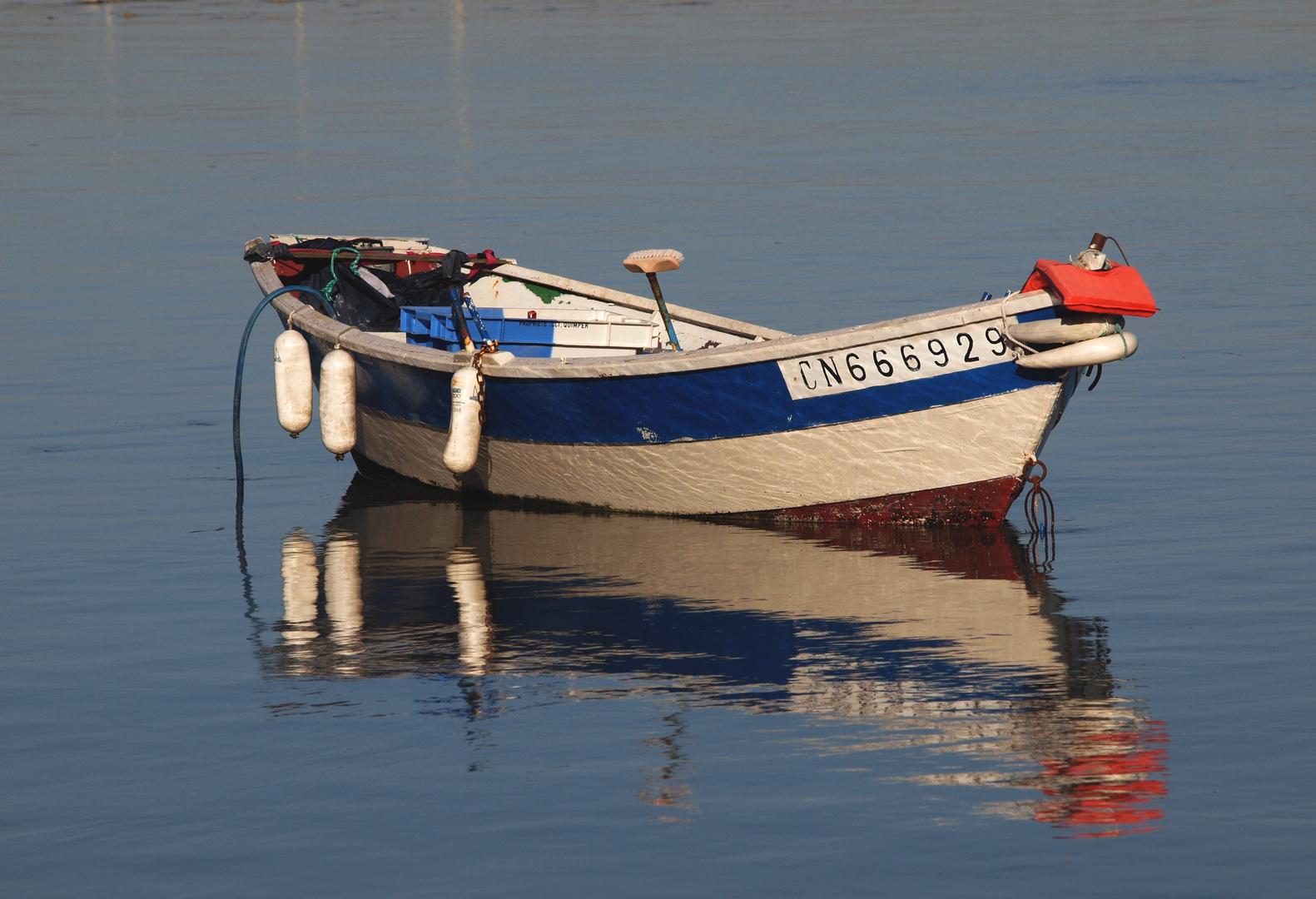 La barque et son reflet