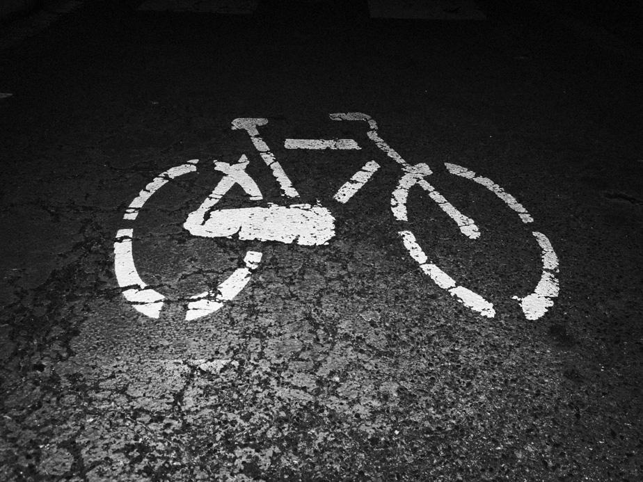 La bicicletta soccombe....