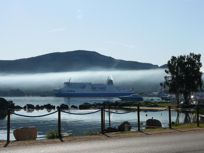 la brume du matin en Corse
