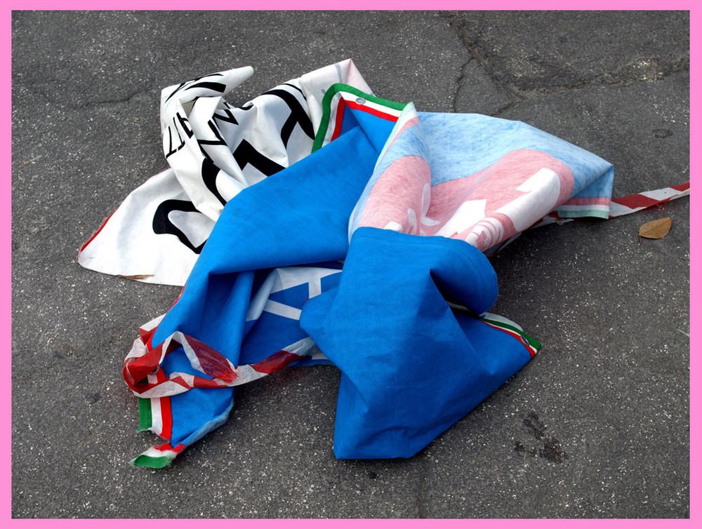 La Carovana....del Giro d' Italia 2009 saluta al prossimo Anno..........