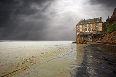 La casa e la bassa marea
