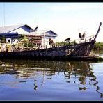 La casa galleggiante..sul Tonle Sap....Cambogia