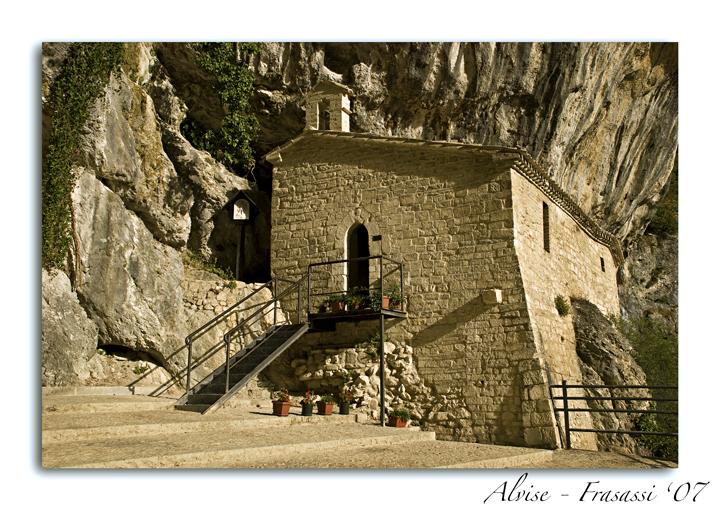 La Casa Nella Roccia.La Casa Nella Roccia Foto Immagini Paesaggi Montagna