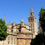La cathédrale de Séville dans son ensemble