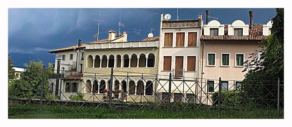 "..la chiamano ""piccola Venezia""-luogo: SACILE-FVG"