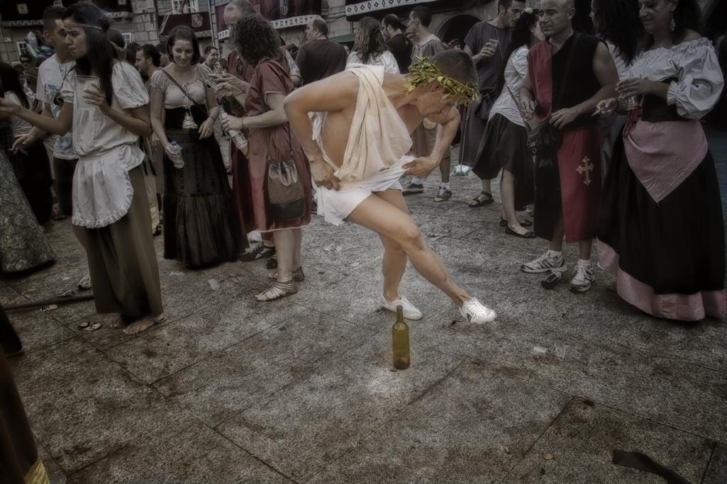 La danza y la botella....