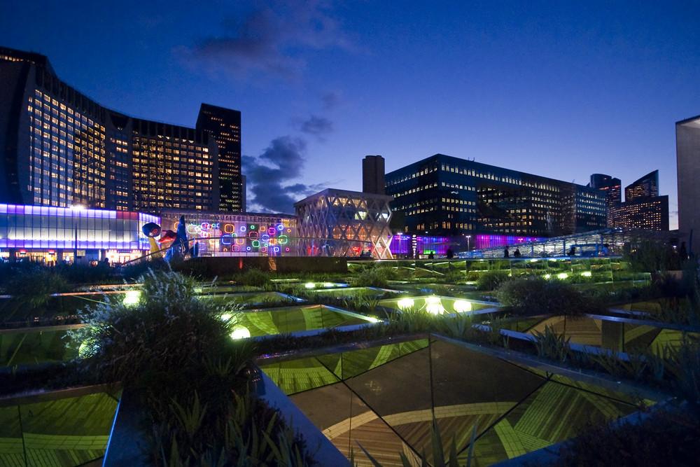 La Défense by night