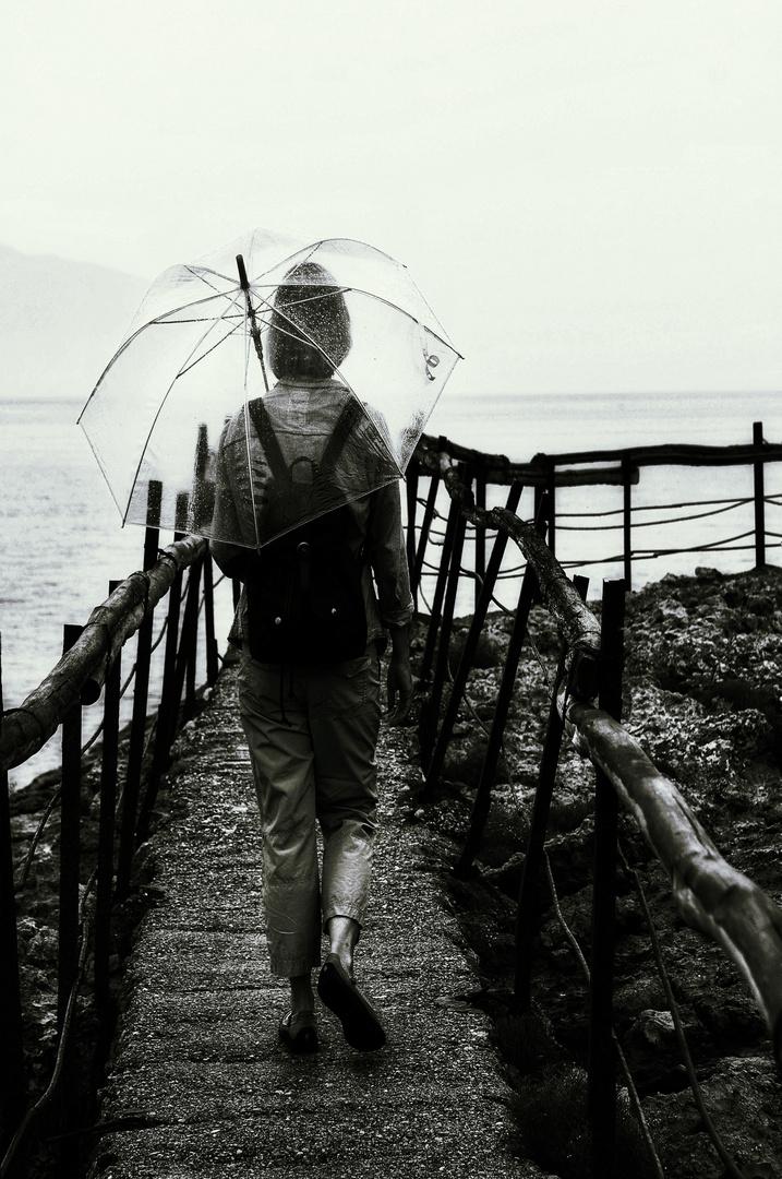 La femme au parapluie (110); en route avec le parachute de secours !