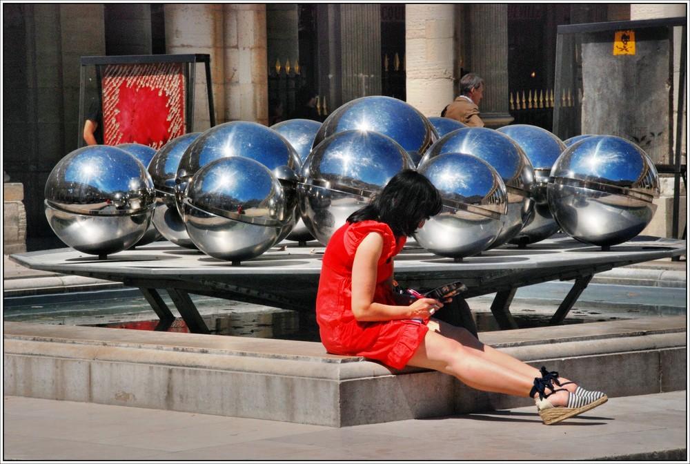 La fille en rouge - Palais Royal