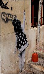 La fillette sur le mur