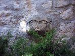 la fontaine aux trois têtes