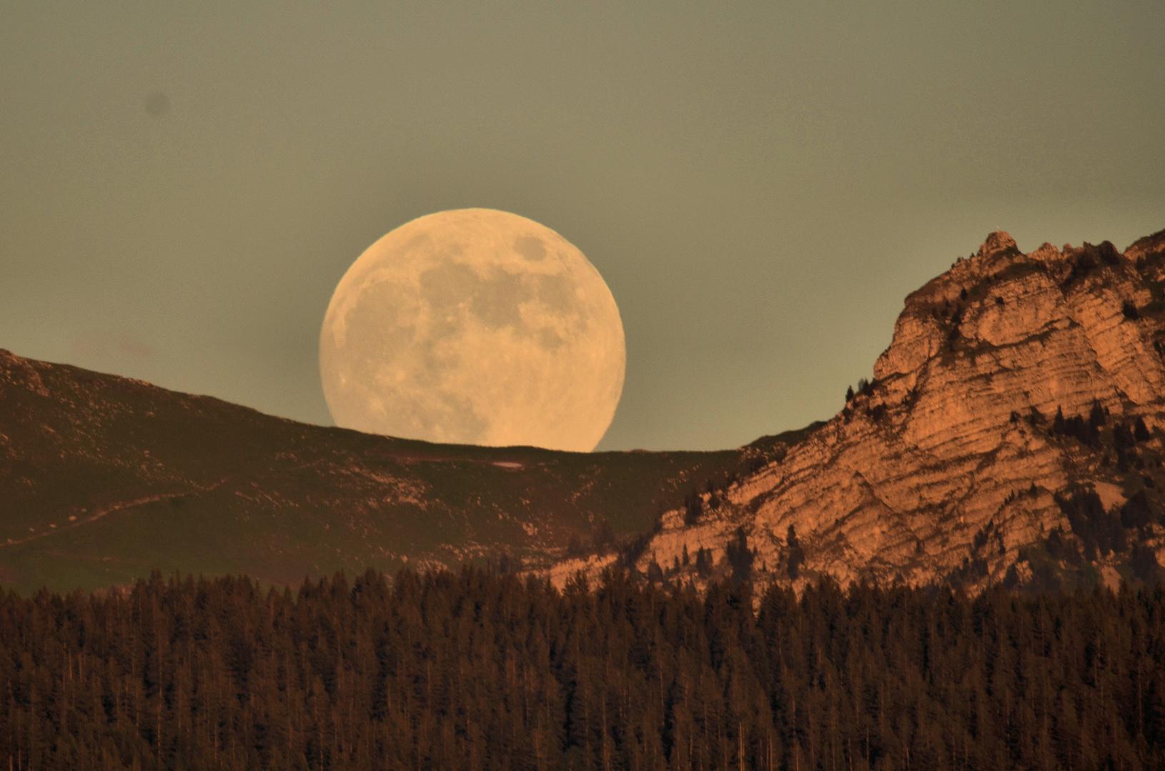 La grandeur de la lune