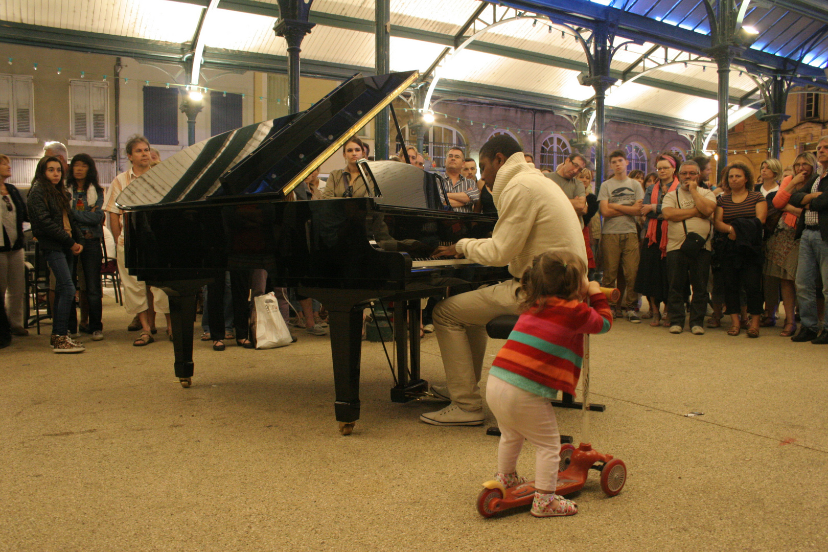 la groupie du pianiste...