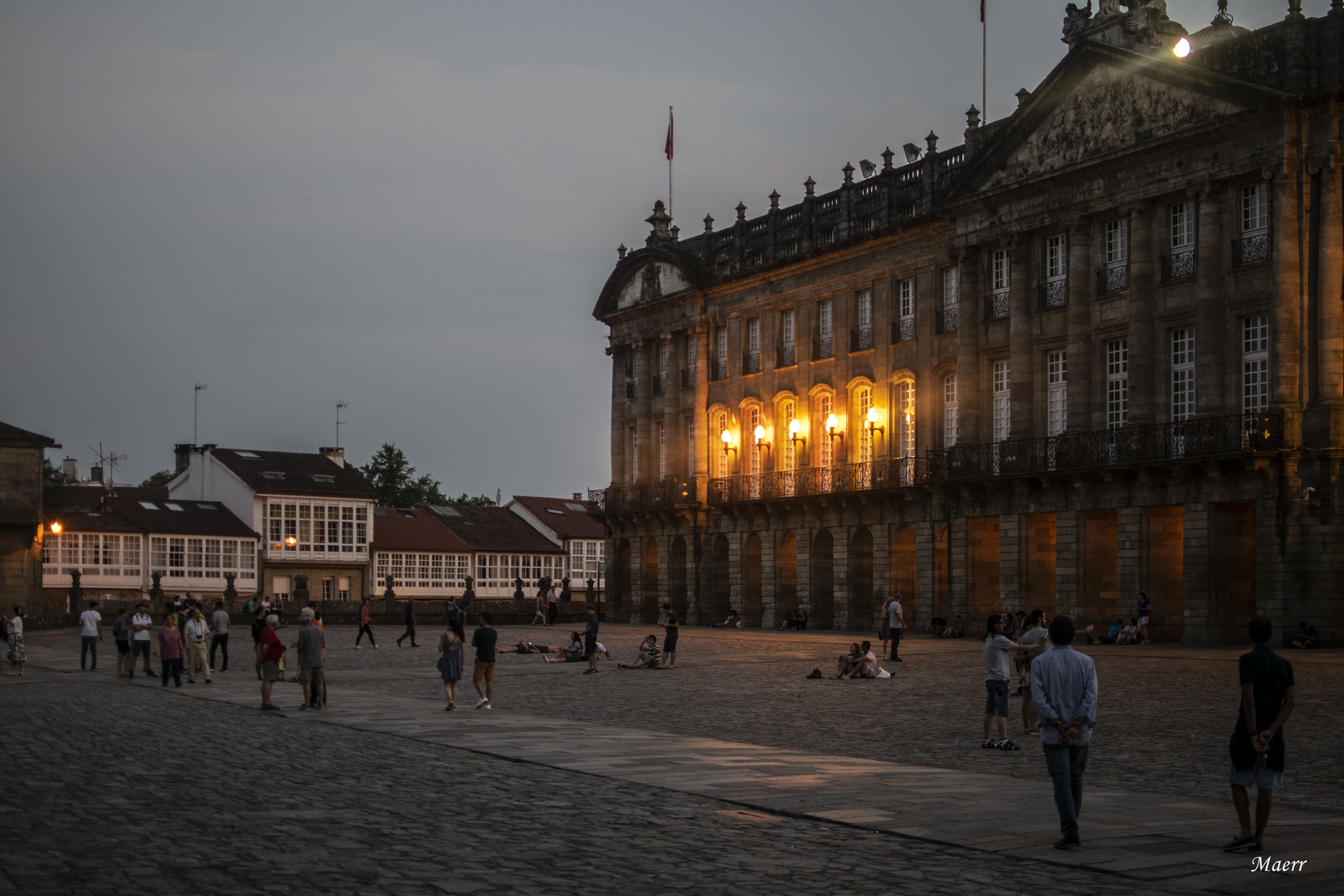 La hora azúl en La Plaza del Obradoiro. Santiago de Compostela.