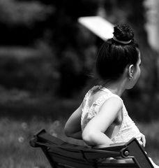 la jeune fille au chignon