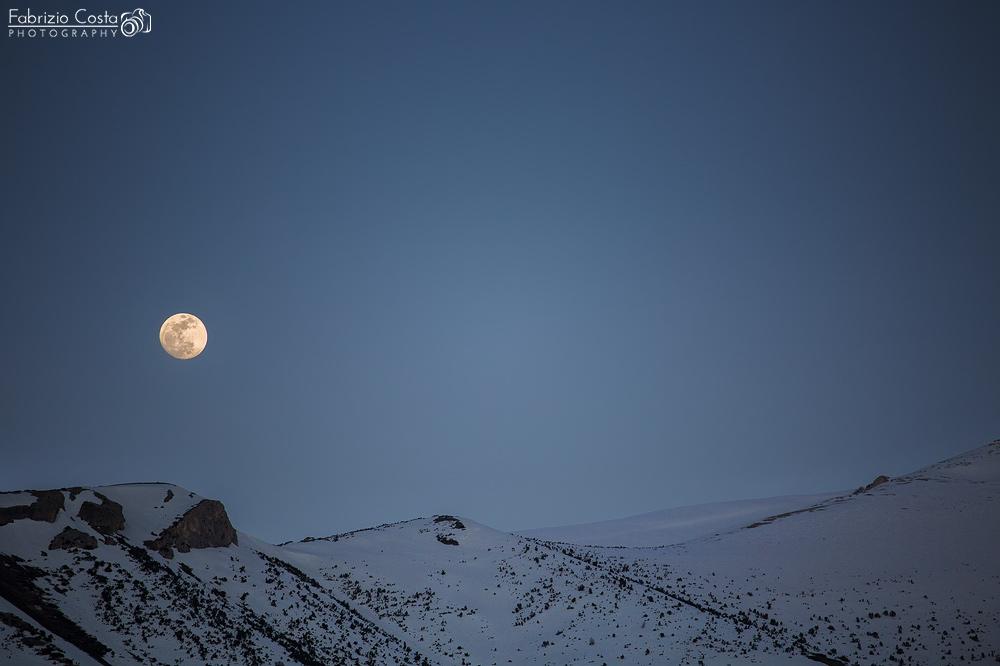 La luna sulla Majella