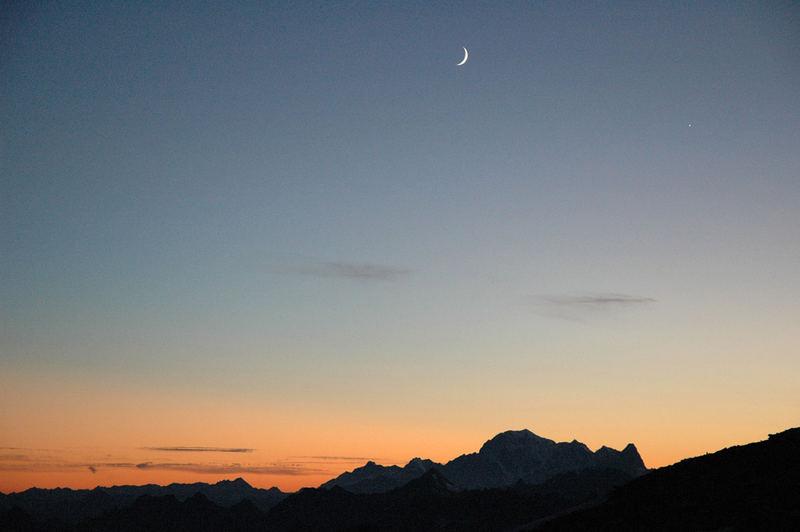 La luna, Venere e il M.te Bianco
