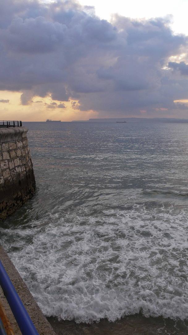 La luz que fusiona el cielo y el mar