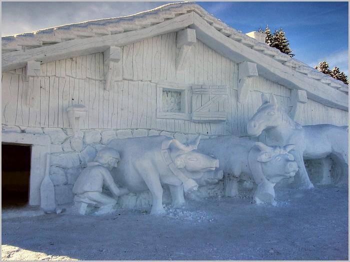 La marcairie sculptée dans la neige au Schnepfenried