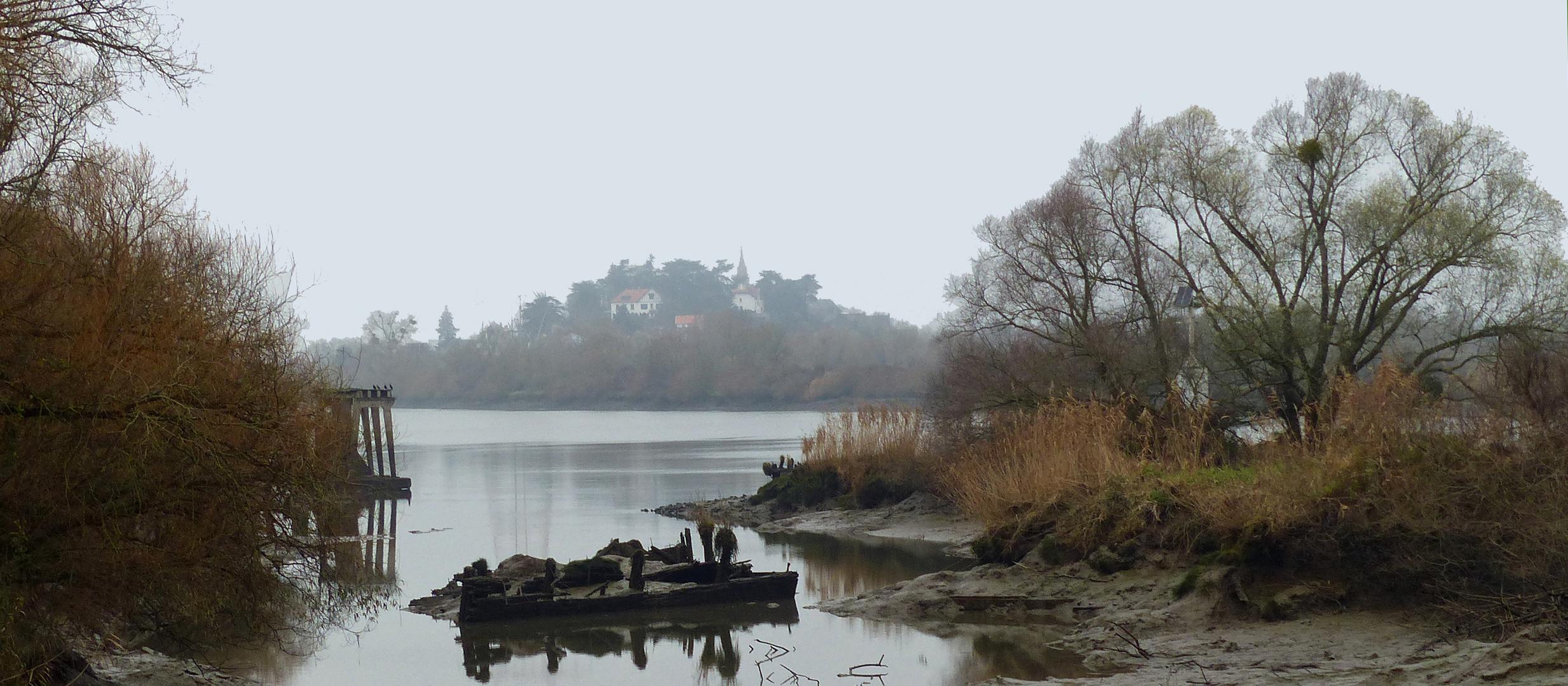 La marée monte, le brouillard se dissipe.....
